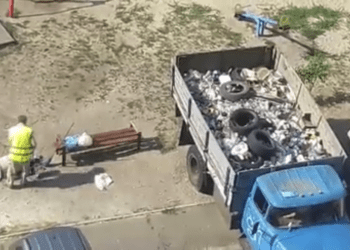 Киев не может справиться с брошенными автомобилями