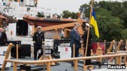 Петр Порошенко: Украина является де-факто восточным флангом НАТО 1