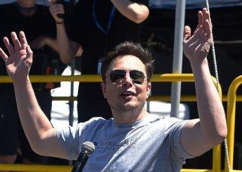 """Новым главой Tesla, вместо Илона Маска, может стать """"умнейший"""" из потомства Руперта Мердока 4"""