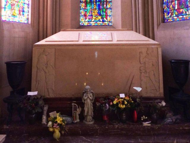 Тело Майкла Джексона достанут из гроба: «могут признать серийным растлителем» - politeka.net