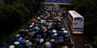 Китай призвал ЕС прекратить вмешиваться в дела Гонконга