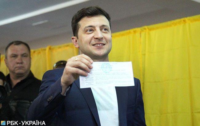 В МВД рассказали, что будет Зеленскому за демонстрацию своего бюллетеня с итогом голосования