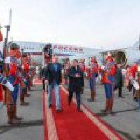 Монголы оторопели: глава МИДа России нанес визит президенту Монголии в джинсах