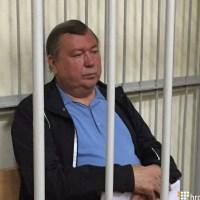 Золото, серебро, миллионы долларов: что нашли в домах и подвалах налоговых начальников Украины