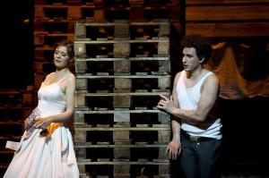 Julia Amos (Adina), Lucian Krasznec (Nemorino) ©Thomas M. Jauk / Stage Picture