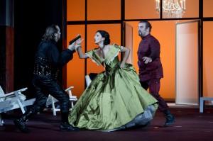 Adrian Xhema, Sara Daldoss Rossi, Gregor Dalal - Foto© Oliver Berg, Theater Münster