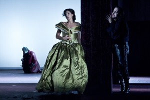 Gregor Dalal, Sara Daldoss Rossi, Adrian Xhema - Foto© Oliver Berg, Theater Münster