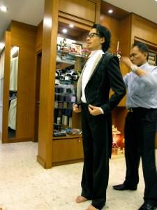 Motonori Kobayashi beim Anzugschneider/Sommer 2011 in Bangkok