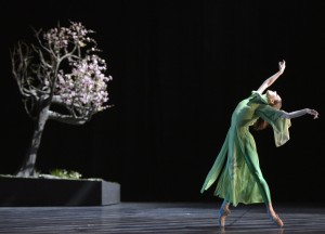 """Ballett """"Der Traum der roten Kammer""""-Ballett Dortmund-Monica Fotescu Uta (Lin Dai Yü) ©Bettina Stöß / Stage Picture"""