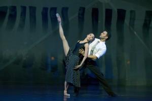 "AALTO BALLETT ESSEN, ""La vie en rose"" von Ben Van Cauwenbergh; Xiyuan Bai, Nour Eldesouki"