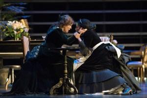 Deutsche Oper am Rhein/ AIDA/ Susan Maclean (Amneris), Morenike Fadayomi (Aida) FOTO: Matthias Jung