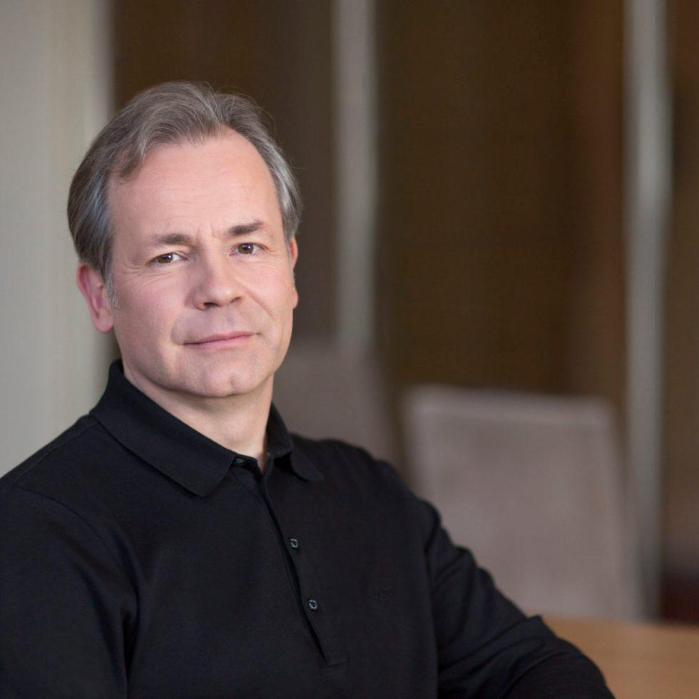 Generalmusikdirektor Axel Kober (FOTO: Susanne Diesner)