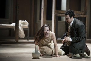 Eleonore Marguerre (Violetta Valéry), Ovidiu Purcel (Alfredo Germont) ©Thomas M. Jauk / Stage Picture GmbH