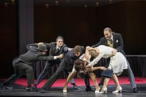 Gerardo Garciacano (Argante), Kathrin Leidig (Goffredo), Ileana Mateescu (Rinaldo), Eleonore Marguerre (Armida), Tamara Weimerich (Almirena), Jakob Huppmann (Eustazio) ©Thomas M. Jauk / Stage Picture