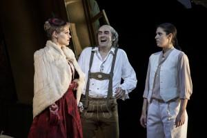 Oper Dortmund / Der Rosenkavalier / Emily Newton. Karl-Heinz Lehner. Ileana Mateescu / Foto @ Thomas Jauk - StagePicture.jpg