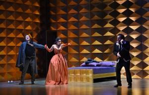 Deutsche Oper am Rhein / Probenfoto DON CARLO / Laimonas Pautienius (Rodrigo di Posa), Ramona Zaharia (Eboli) und Gianluca Terranova (Don Carlo). FOTO: Hans Jörg Michel.
