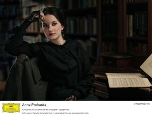 Anna Prohaska © Holger Hage · DG
