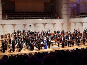 Dortmunder Philharmoniker, GMD G. Feltz und Jeannette Wernecke / Foto DAS OPERNMAGAZIN