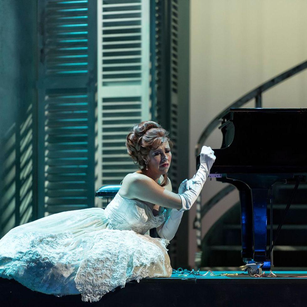 Theater Augsburg/ PRIMA DONNA / Foto @ Jan-Pieter Fuhr