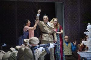 Almerija Delic (Fenena), Sangmin Lee (Nabucco), Gabrielle Mouhlen (Abigaille), Chor der Oper Dortmund ©Thonas Jauk, Stage Picture