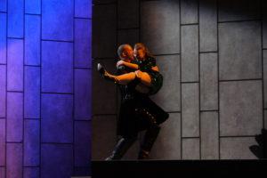 Theater Aachen/ Don Giovanni/ Hrólfur Saemundsson, Mona Nymphius (Statistin)/ Foto @ Wil van Iersel