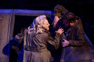 Deutsche Oper am Rhein/Siegfried/Brünnhilde (Linda Watson), Siegfried (Michael Weinius) FOTO: Hans Jörg Michel