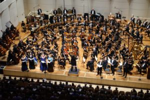 GMD Feltz, Solisten u. Dortmunder Philharmoniker/Mahlers 8. /Foto @ Anneliese Schürer