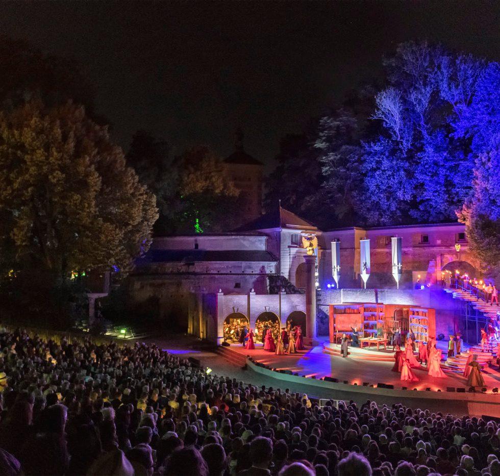 Theater Augsburg/Herz aus Gold/ Foto @ Jan-Pieter Fuhr
