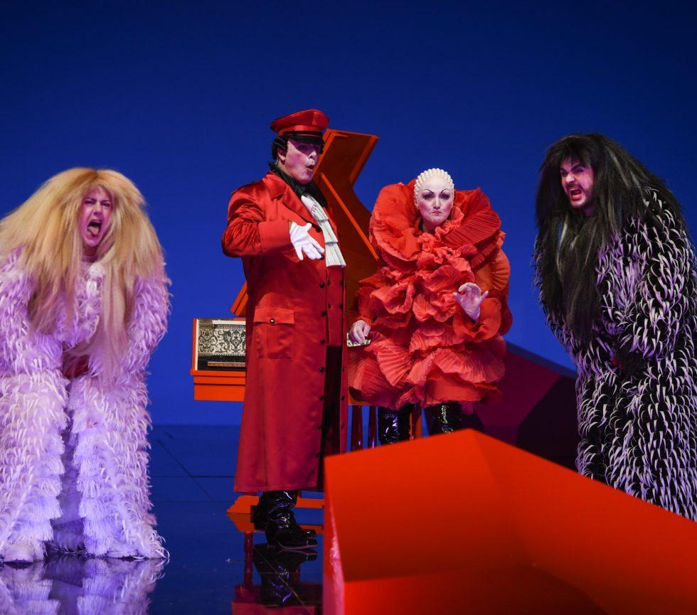 Staatsoper Hamburg/Cosi fan tutte/ Dovlet Nurgeldiyev, Pietro Spagnoli, Sylvia Schwartz, Kartal Karagedik - Foto @ Hans Jörg Michel