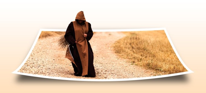 """Un personnage marchant qui """"sort"""" d'une photo papier."""