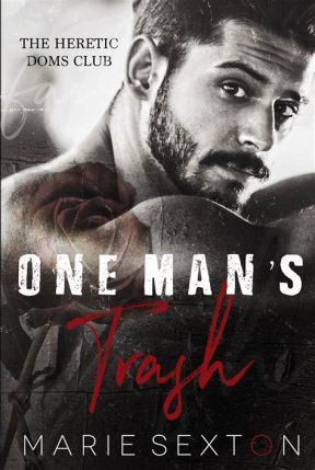 """Couverture du tome 1 : """"One man's trash"""". Photo en noir et blanc d'un homme barbu, un tatouage de rose sur l'épaule apportant une touche de rouge sous-saturé. Titre en blanc et rouge."""