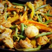 Wok med kylling og grønt (i østers og soya sauce)