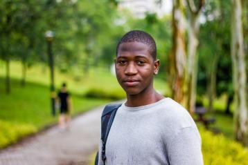 Un Africain à Kuala Lumpur, en Malaisie.