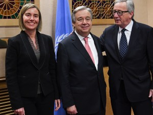 Federica Mogherini (Hoge Vertegenwoordiger Buitenlandse Zaken EU en vice-voorzitter Europese Commissie), Antonio Guterres (secretaris-generaal Verenigde Naties) en Jean-Claude Juncker (voorzitter Europese Commissie).