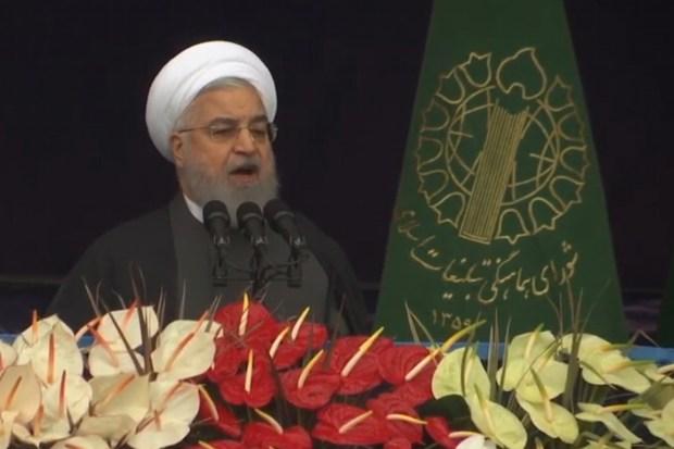 """Titelfoto artikel Hesmat Alavi op OpinieZ.com """"Iran zegt nucleaire deal gedeeltelijk op"""""""