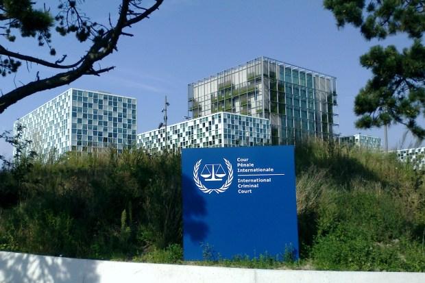 """Titelfoto bij artikel """"OM-onderzoek naar """"moordlustige Mossad-mannen"""" afgerond"""" door Uri van As OpinieZ.com"""