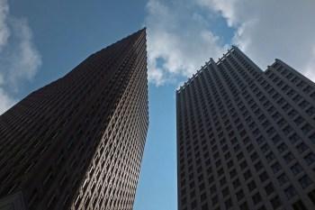 """Titelfoto bij artikel Freek van Beetz op OpinieZ.com """"De overheid als bedrijf: daar komt narigheid van"""""""