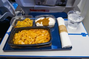 Woke Woensdag - Van KLM Groenvoer Klasse tot Onderdrukkende Heteroseksualiteit Redactie opiniez