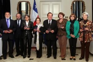 """El ministro Baranda junto a los siete embajadores del """"Envejecimiento Positivo""""."""