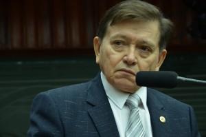 João Henrique se licencia de mandato, e Arthur Cunha Lima permanece na AL 2