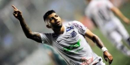 santos-300x152 Santos bate Palmeiras em jogo tenso e fica a um empate do título