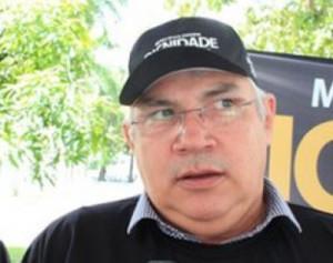 thumbs-1-300x237 Bandidos roubam cerca de R$ 15 mil de presidente da Famup