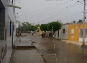 timthumb-6-300x218 Após meses de seca, volta a chover no Cariri paraibano