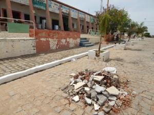 20160125153528-300x225 Mato, lixo e esgotos a céu aberto mostram descaso da Gestão do Prefeito Junior Nobrega no município da Prata, no Cariri