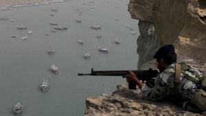 soldado-ira-20111231-original-300x169 Irã detém dois barcos da Marinha americana no Golfo Pérsico