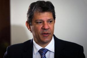 15316733-300x200 Lula admite que PT não tem alternativas para 2018