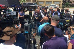 1025037-12062016-image1-300x201 Atirador sorria enquanto matava as pessoas na boate, diz jornalista brasileiro