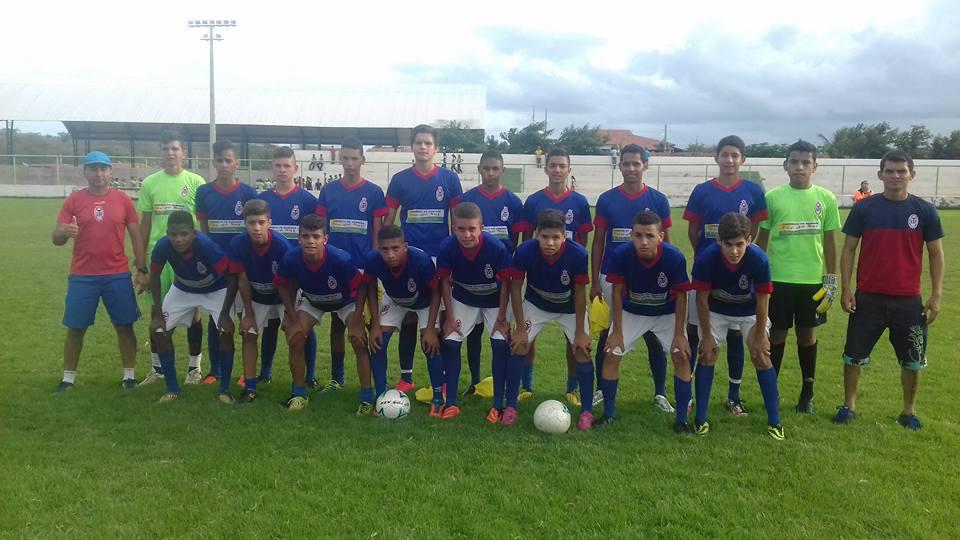 13321653_1244133188960584_7777039182994745060_n Escolinha de Futebol Tiradentes é Campeã Sub 16 no Pernambuco