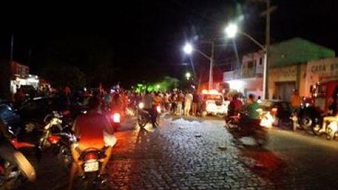 14080841_10207590752390027_1540457175_n Em Monteiro: Polícia apreende 'paredão de som'e um jovem por desacato em Caminhada do PSB