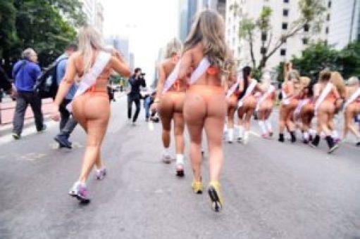 144668-700x487-300x200 Abusadas: Candidatas a Miss Bumbum causam alvoroço na Av. Paulista